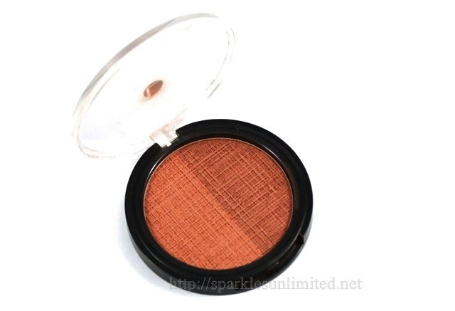 Lakme Absolute SUN-KISSED BRONZER, Lakme Absolute SUN-KISSED BRONZER Review,Lakme Absolute SUN-KISSED BRONZER Swatches, Lakme Absolute SUNKISSED BRONZER review & swatches, Lakme India, Lakme Absolute