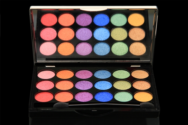 Colorbar's Long Lasting Eye Shadow Pots,