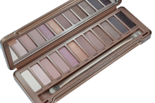 Urban Decay Naked 3 Palette,Urban Decay Naked 3 Palette Review,Urban Decay Naked 3 Palette Swatches, Urban Decay Naked 3 , Urban Decay Naked Palette, Urban Decay, Urban Decay Cosmetics