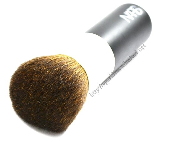 NARS Bronzing Powder Brush #19,NARS Bronzing Powder Brush #19 Review, NARS Makeup Brushes, NARS, NARS Makeup Tools, Bronzing Brush, Best Makeup Brush