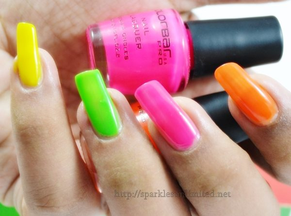 Colorbar POP HEART Mini Nail Kit,Colorbar POP HEART Mini Nail Kit Review,Colorbar POP HEART Mini Nail Kit swatches, Colorbar Pop Heart mini Kit, Colorbar Pop Heart Nail Kit, Colorbar Cosmetics, Colorbar Cosmetics India, Neon Nails, Nail Enamel